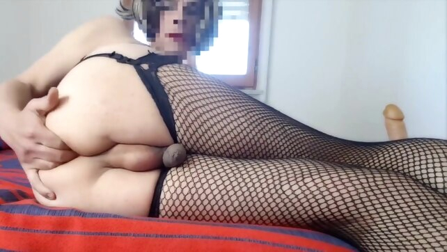 Troietta travesta fa cam.. amateur hd masturbation