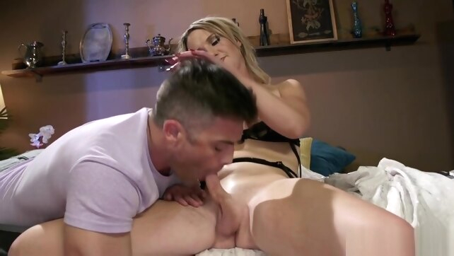 Blonde tranny anal.. blonde domination ladyboy
