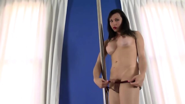 Stripper Eats Her Own.. cumshot