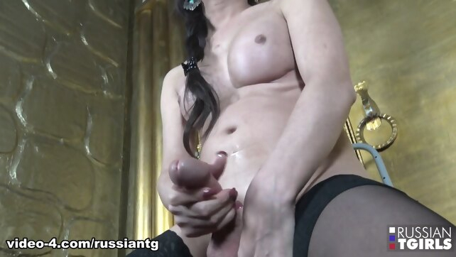 Viktoria: Moscow Vixen -.. big tits masturbation stockings
