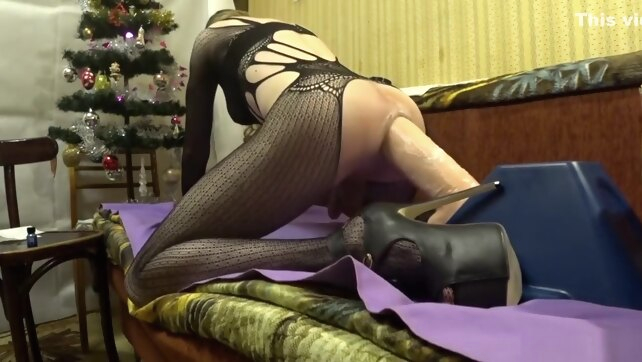 New Year Riding dildo,.. amateur big ass fetish
