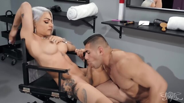 Eva Maxim - Model Cuddle big cock big tits blonde