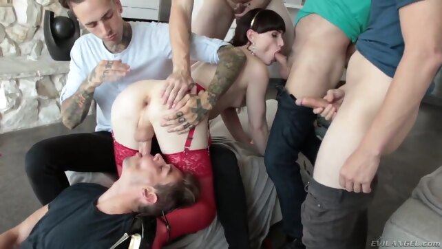 Ts Superstar Natalies.. cumshot gangbang group sex